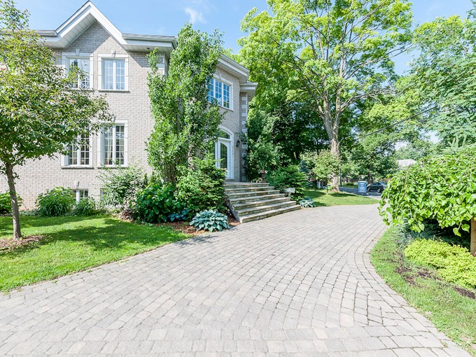 Single Family Home for sales at Ahuntsic-Cartierville 9270 Boul. Gouin O. Ahuntsic Cartierville, Quebec H4K1C5 Canada