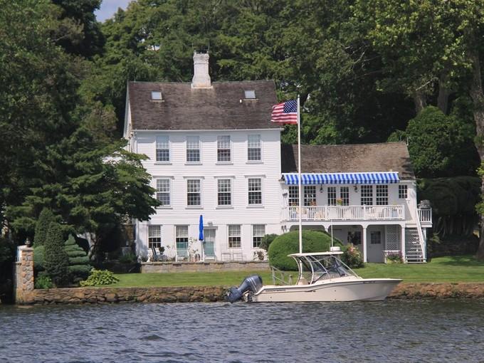 Tek Ailelik Ev for sales at Waterfront Oasis 10 Meigs Essex, Connecticut 06426 Amerika Birleşik Devletleri