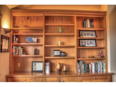 Casa Unifamiliar for sales at A Timeless Edwards Smith Home 3669 E. Sky Harbor Dr. Coeur D Alene, Idaho 83814 Estados Unidos