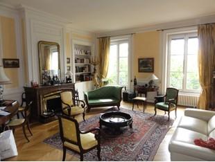 Apartment for sales at LYON 2 - DERNIER ETAGE - TRES BEL APPARTEMENT DE 6 PIECES  AVEC VUE SUR LE RHÔNE  Lyon, Rhone-Alpes 69002 France