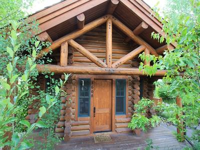Nhà phố for sales at Granite Ridge Cabin 7608 Obsidean Road Teton Village, Wyoming 83025 Hoa Kỳ