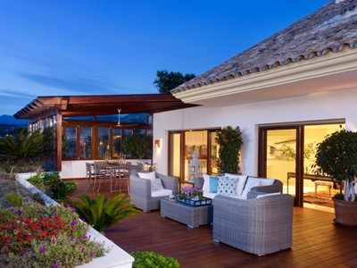 Квартира for sales at Penthouse in Golden Mile Lomas del Rey Marbella, Андалусия 29600 Испания