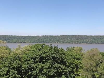 共有 for sales at Great 1 BR + DM & River Views 3671 Hudson Manor Terrace 5M Riverdale, 紐約州 10463 美國
