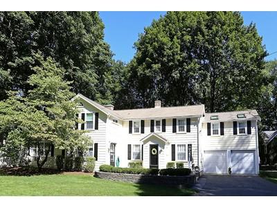 Maison unifamiliale for sales at Stunning Colonial Near Historic Weston Town Center 713 Boston Post Road  Weston, Massachusetts 02493 États-Unis