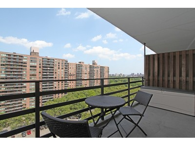 Copropriété for sales at Large JR 4 Condo Converted to 2 BR 382 Central Park West 14X  New York, New York 10025 États-Unis