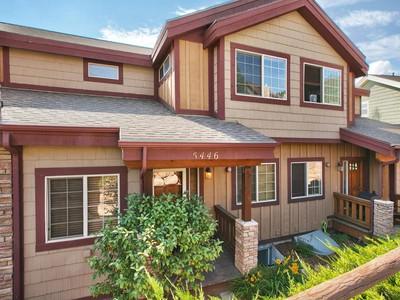 단독 가정 주택 for sales at Great Value Bear Hollow Village Townhouse 5446 Bobsled Blvd Park City, 유타 84098 미국