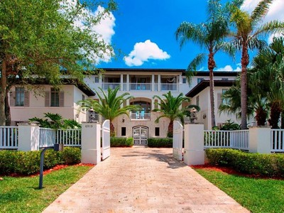 Casa Unifamiliar for sales at 6909 Sunrise Terrace 6919 Sunrise Terrace Coral Gables, Florida 33133 Estados Unidos