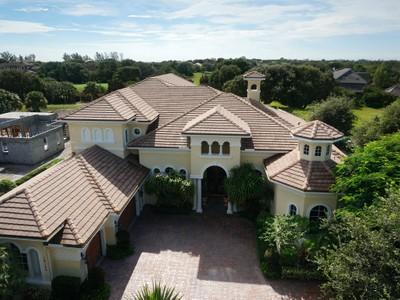 Einfamilienhaus for sales at 18125 SE Village Circle   Tequesta, Florida 33469 Vereinigte Staaten