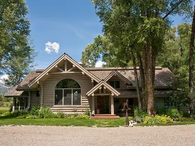 Nhà ở một gia đình for sales at Tucker Ranch Paradise 3440 Tucker Ranch Rd West Bank North, Wyoming 83001 Hoa Kỳ