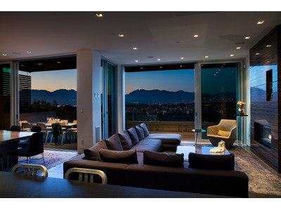 Maison unifamiliale for sales at Exceptional Trophy Home Vancouver, Colombie-Britannique Canada