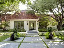 Casa Unifamiliar for sales at Shady Oaks Golf Course 6224 Indian Creek Dr   Fort Worth, Texas 76107 Estados Unidos