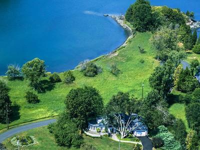 Einfamilienhaus for sales at Manursing Island iconic property 21 Island Drive Rye, New York 10580 United States