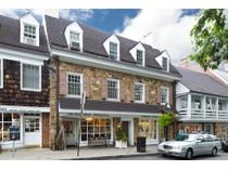 Condomínio for sales at Overlooking Palmer Square 37 Palmer Square West Unit D   Princeton, Nova Jersey 08542 Estados Unidos