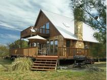 Einfamilienhaus for sales at 2036 Bluff Creek Drive    Strawn, Texas 76475 Vereinigte Staaten