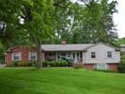 Casa para uma família for sales at Bloomfield 4384 Sunningdale Drive Bloomfield, Michigan 48302 Estados Unidos