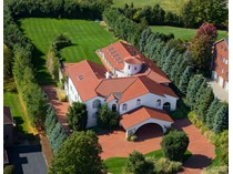 Einfamilienhaus for sales at Exclusive Bel Air 12 Chelsea Drive   Livingston, New Jersey 07039 Vereinigte Staaten