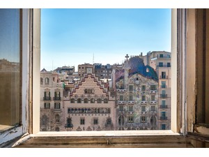 Apartment for Sales at Penthouse to be refurbished overlooking the Paseo de Gracia and the Casa Batlló Barcelona City, Barcelona Spain
