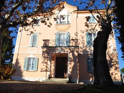 Einfamilienhaus for sales at Prestigious old building villa  Lugano, Ticino 6900 Schweiz