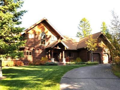 Casa para uma família for sales at Luxurious Log Home with Views 225 Good Medicine Drive Whitefish, Montana 59937 Estados Unidos
