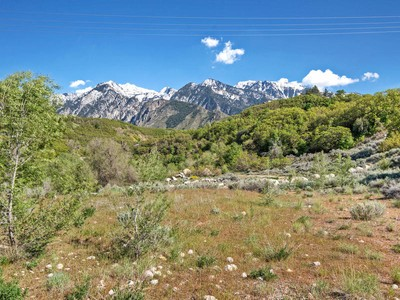 Terreno for sales at Spectacular Secluded Building Lot 9097 S Canyon Gate Rd Sandy, Utah 84093 Estados Unidos
