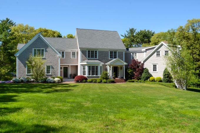 Casa para uma família for sales at 248 Saint George Street   Duxbury, Massachusetts 02332 Estados Unidos