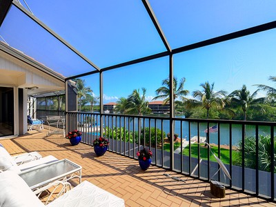 Кооперативная квартира for sales at The Moorings at Ocean Reef 38 Moorings Unit B  Key Largo, Флорида 33037 Соединенные Штаты