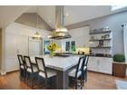 獨棟家庭住宅 for  sales at Clyde Hill Rambler 1373 85th Ave NE Clyde Hill, 華盛頓州 98004 美國