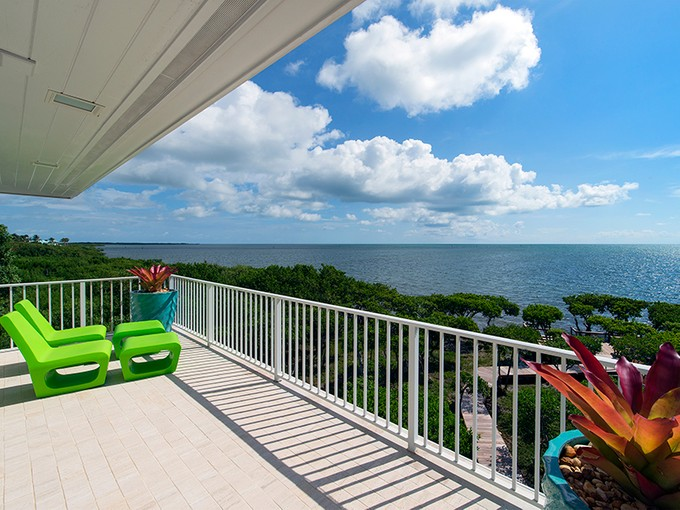 Nhà ở một gia đình for sales at Captivating Ocean Front Views at Ocean Reef 15 Sunrise Cay Drive Key Largo, Florida 33037 Hoa Kỳ