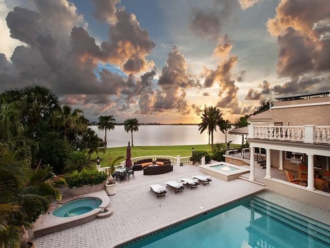 단독 가정 주택 for sales at CHEROKEE PARK 1500  South Dr Sarasota, 플로리다 34239 미국