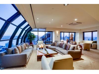 Condominium for sales at Harbor Club 200 Harbor Drive #4101 San Diego, California 92101 United States