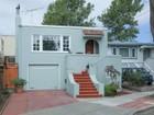 Maison unifamiliale for  sales at Charming Laurel Bungalow 4011 Laurel Avenue Oakland, Californie 94602 États-Unis