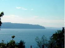 Villa for sales at 3922 S Camano Dr    Camano Island, Washington 98282 Stati Uniti