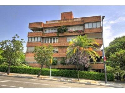 Maison unifamiliale for sales at Apartment in Pedralbes with studio included Barcelona City, Barcelona Espagne