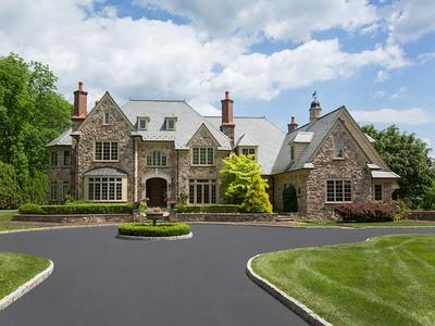 Частный односемейный дом for sales at Gwynedd Valley, PA 1343 Fording Brook Lane  Gwynedd Valley, Пенсильвания 19002 Соединенные Штаты