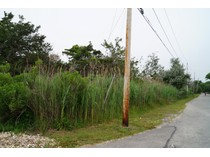 Terrain for sales at Fabulous Location 117 Seafield Lane   Westhampton Beach, New York 11978 États-Unis