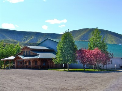 Granjas / Hacienda / Platanción for sales at Turn-Key Established Equestrian Center 100 Let 'Er Buck Road Hailey, Idaho 83333 Estados Unidos