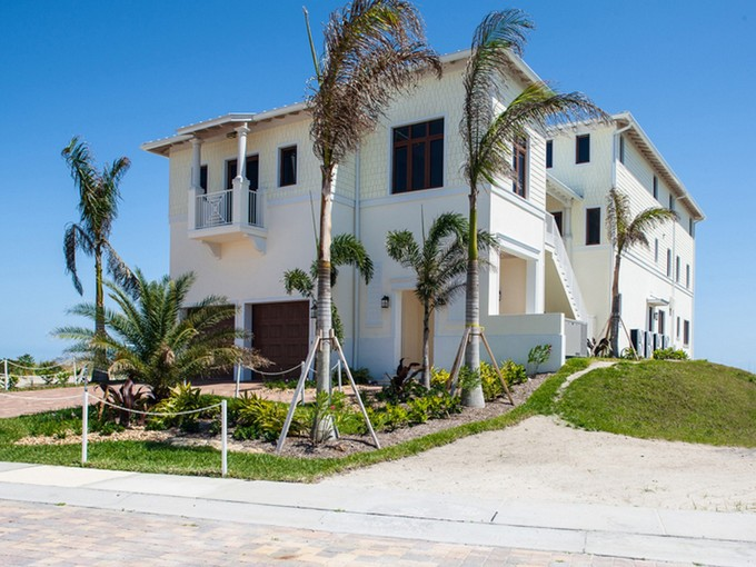 Nhà ở một gia đình for sales at Extraordinary Avalon Beach Oceanfront Home with Elevator 6408 Ocean Estates Ct   Fort Pierce, Florida 34949 Hoa Kỳ