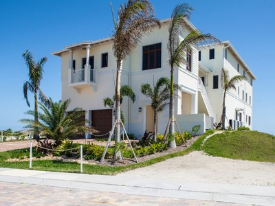 Single Family Home for  at Extraordinary Avalon Beach Oceanfront Home with Elevator 6408 Ocean Estates Ct Fort Pierce, Florida 34949 United States