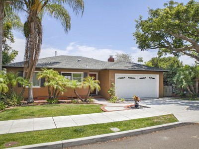 Casa Unifamiliar for sales at 3973 La Cresta Drive   San Diego, California 92107 Estados Unidos