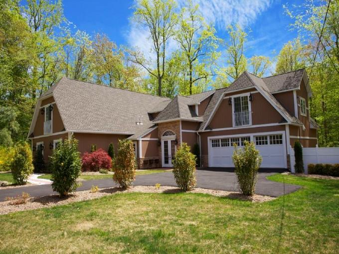 Vivienda unifamiliar for sales at Truly A Classic 38 Cherry Lane  Upper Saddle River, Nueva Jersey 07458 Estados Unidos