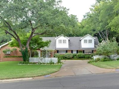 단독 가정 주택 for sales at 4004 Ranch View Road  Fort Worth, 텍사스 76109 미국