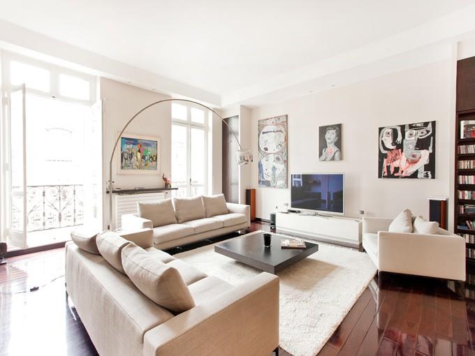 Квартира for sales at Prestigious Apartment - Parc Monceau  Paris, Париж 75008 Франция