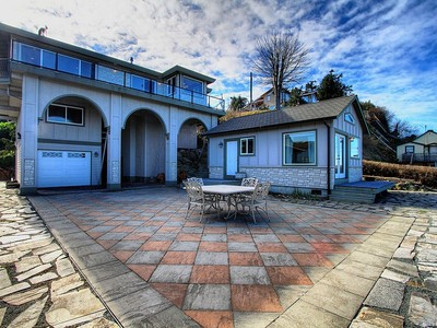 Maison unifamiliale for sales at 364 Shore Dr  Camano Island, Washington 98282 États-Unis