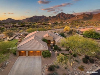 Vivienda unifamiliar for sales at Exquisite Home With Panoramic Mountain & City Light Views In McDowell Mtn Ranch 11344 E Winchcomb Drive Scottsdale, Arizona 85255 Estados Unidos