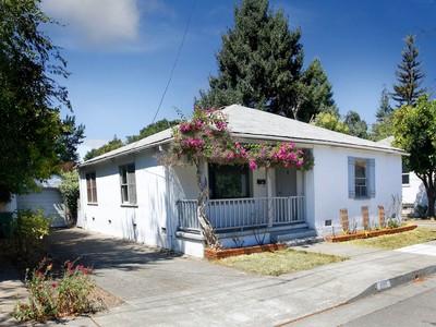 Çok Ailelik Ev for sales at 209-217 University Street  Healdsburg, Kaliforniya 95448 Amerika Birleşik Devletleri