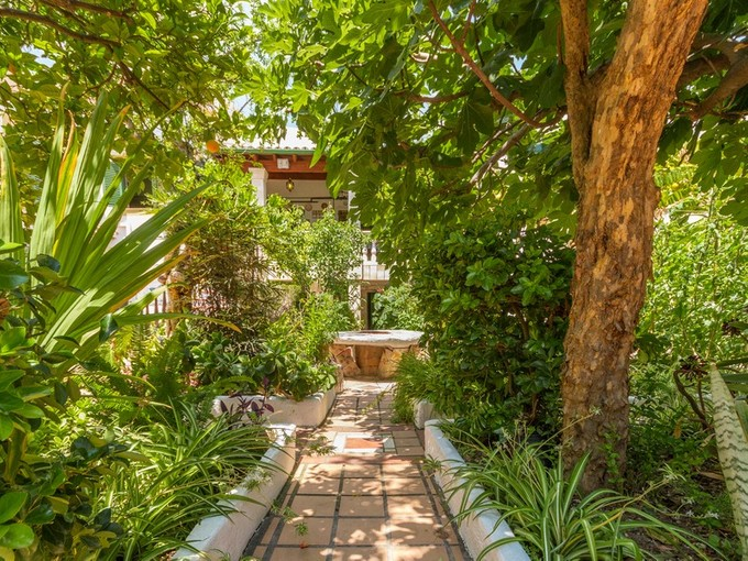 Townhouse for sales at Beautiful modernist house in Santa Catalina    Palma, Mallorca 07014 Spain