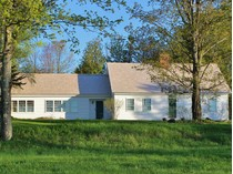 Casa para uma família for sales at The William Varnum House 1643 Green Bay Loop   Peacham, Vermont 05862 Estados Unidos