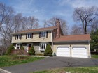 Einfamilienhaus for sales at Well Maintained and Constructed University Area Colonial on a Private Cul-de-Sac 103 Matilda Place Fairfield, Connecticut 06824 Vereinigte Staaten