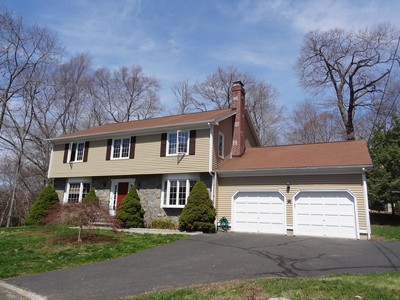 Single Family Home for sales at Well Maintained and Constructed University Area Colonial on a Private Cul-de-Sac 103 Matilda Place Fairfield, Connecticut 06824 United States