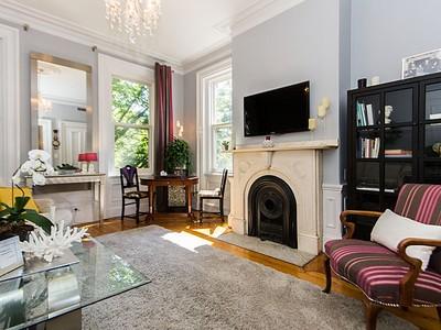 Nhà chung cư for sales at 40 Chestnut Street- Unit 2   Boston, Massachusetts 02129 Hoa Kỳ